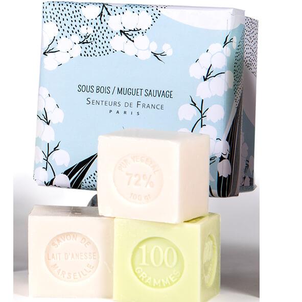 savon cube parfum jasmin et parfum muguet
