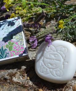 savonnette parfumée lavande jardin en Provence