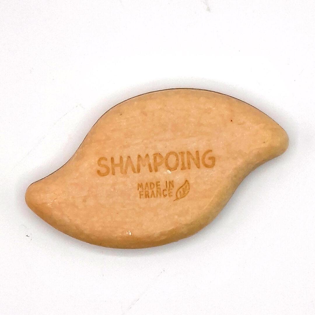 shampoing solide à l'argile jaune et eau florale de sauge
